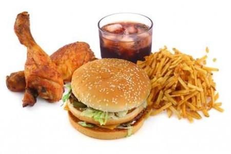 Неправильное питание способствует развитию рака желудка и кишечник