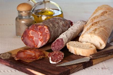 Преобладание жирной и животной пищи в рационе провоцирует рак пж
