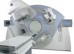 Видео: Как делают лучевую терапию при онкологии, в чем польза лечения, когда целесообразно применение радиотерапии и какие побочные эффекты возникают?